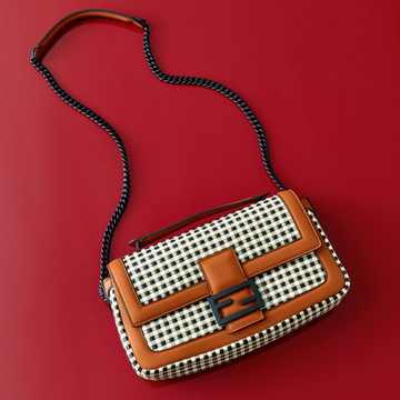 【秋のおしゃれをランクアップするバッグ2選】エクラスタッフがひと目惚れしたバッグ