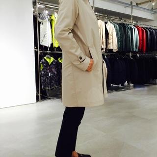 このステンカラーコートに一目惚れ。またまた買っちゃいました!