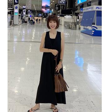 ZARAの極シンプルなブラックドレス