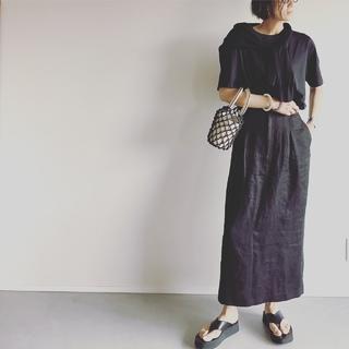 今また「黒」が新鮮。素材や組み合わせで新しい魅力を楽しむ【エディター坪田あさみのおしゃれと暮らしと時々名品 #32】