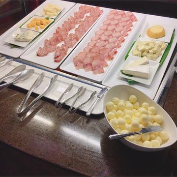 【アウラニ❤︎】朝ごはんを食べながらキャラクターグリーティング!?_1_2-2