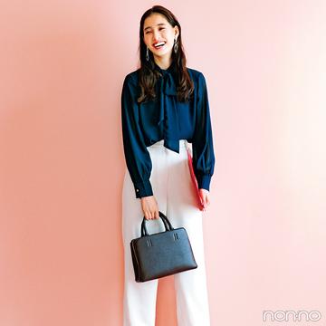 新木優子はネイビー&白のキリッと配色でハンサムなこなれスタイル!【毎日コーデ】