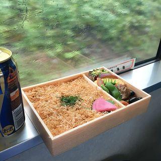 お米が主役の、東西駅弁の名作。