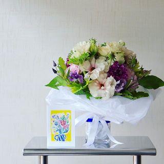 今年も編集部に届いた、春の花。